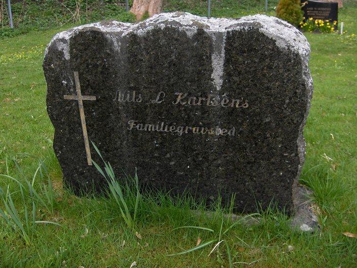 Nils Ludvig Karlsen - Gravstein.jpg