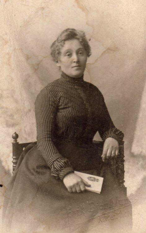 Nicoline Malmin abt 1902 kr.a.jpg