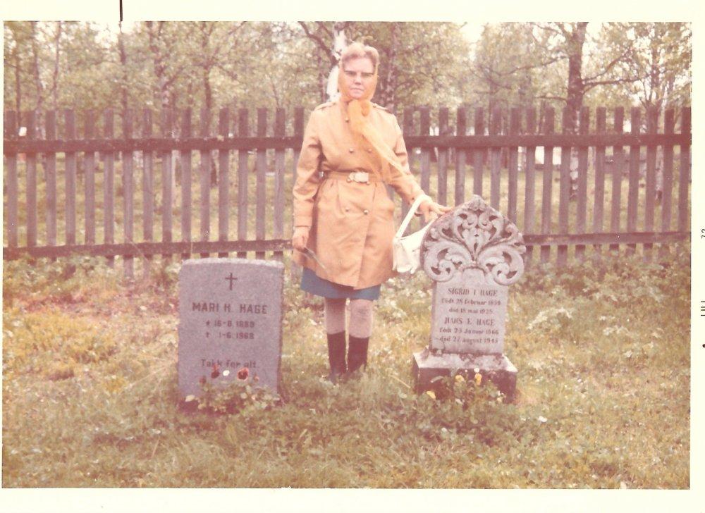 Helen Fossen and tombstone in Norway.jpg